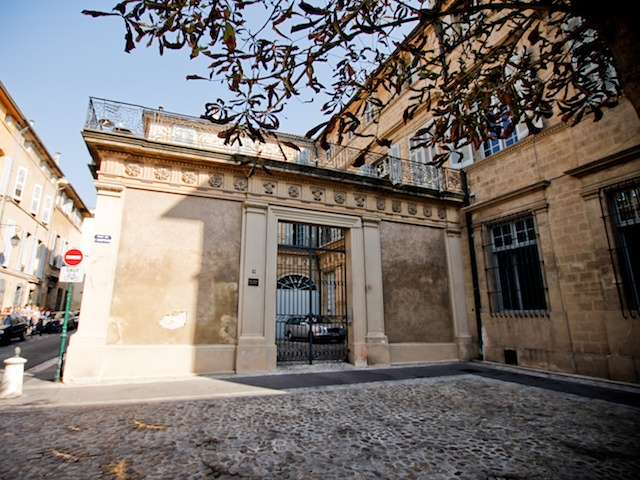 Hôtel de Boisgelin, Rue du Quatre Septembre, Aix-en-Provence © Photo: Lsmpascal, licence [CC BY-SA 3.0], from Wikimedia Commons