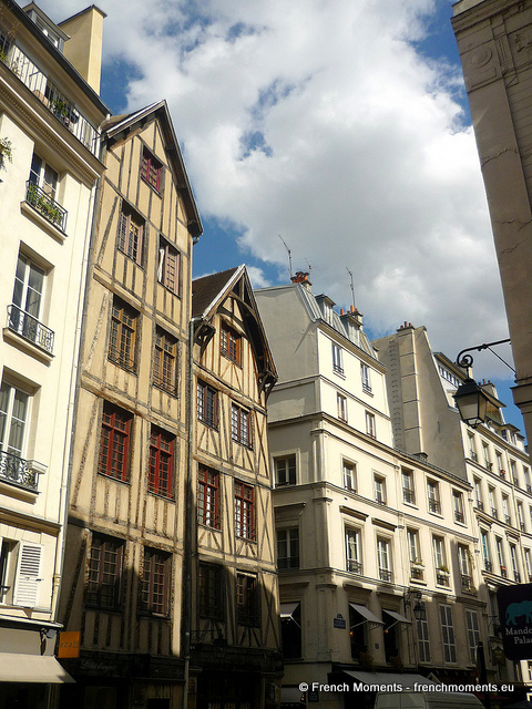 Half-timbered houses in Paris © French Moments