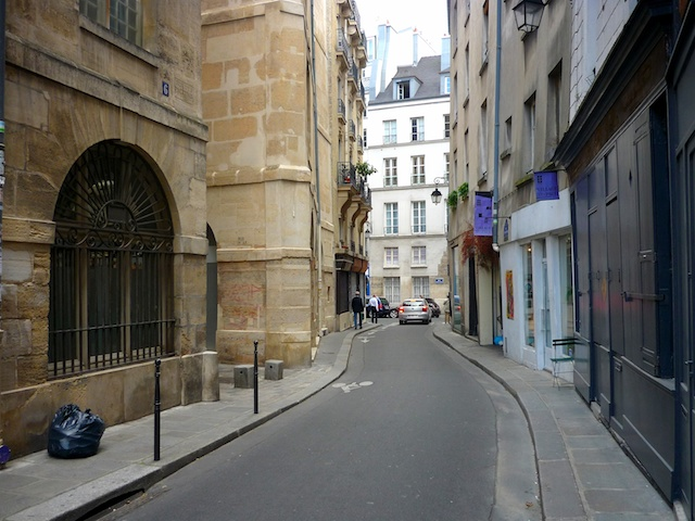 Rue Charlemagne, Marais © French Moments