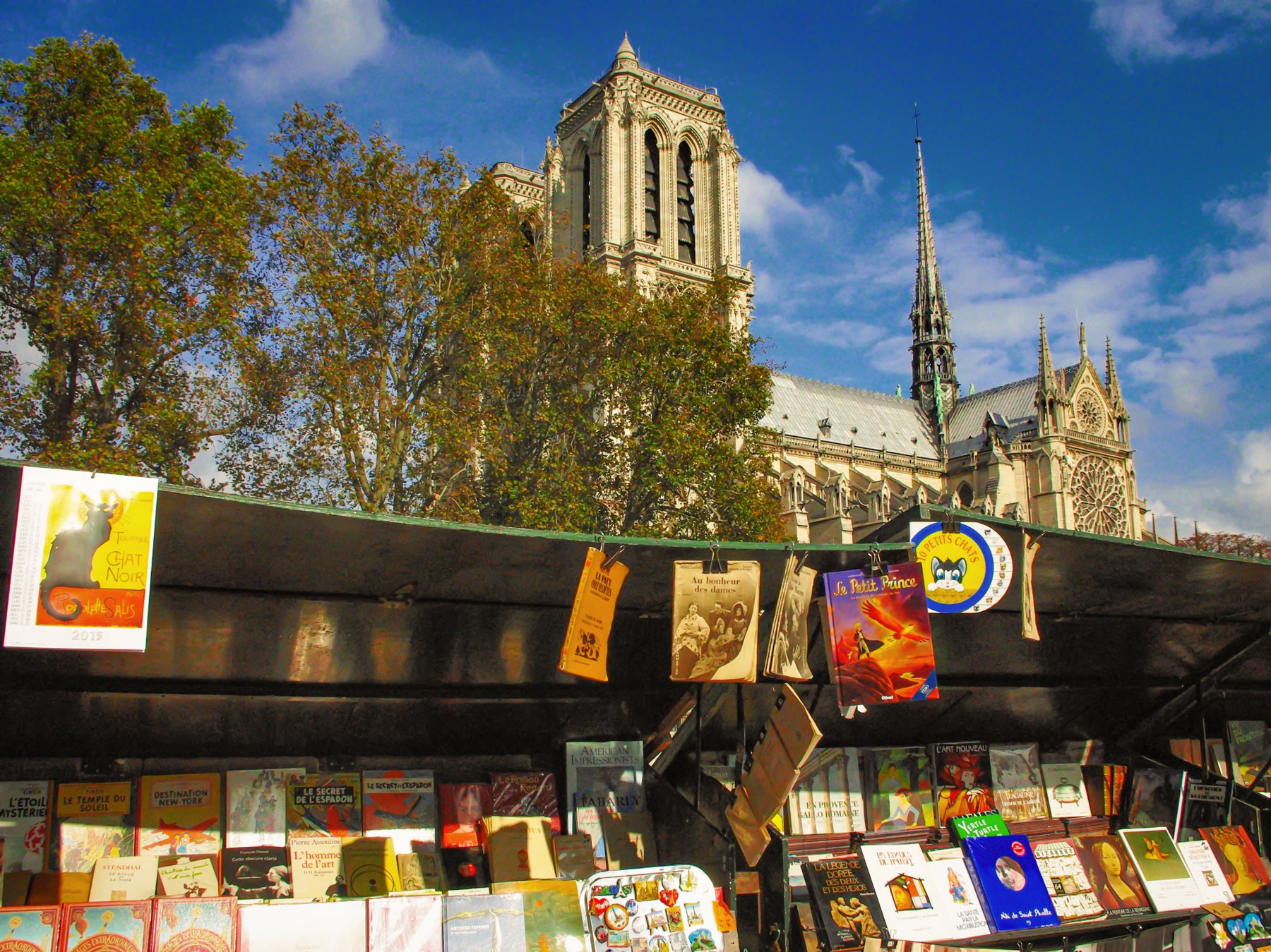 Bouquinistes of Paris © French Moments