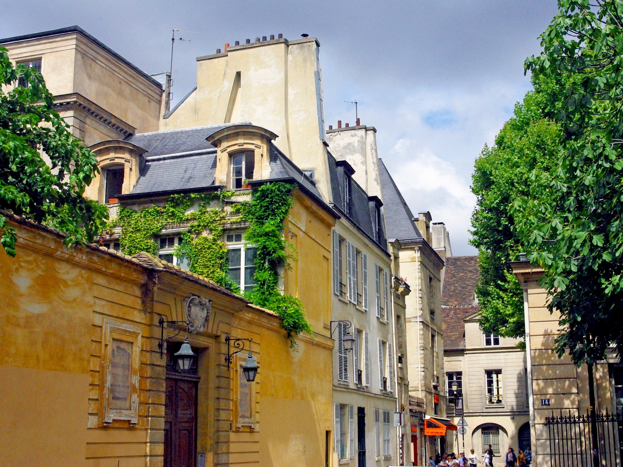 Sites to see in France in July 2016
