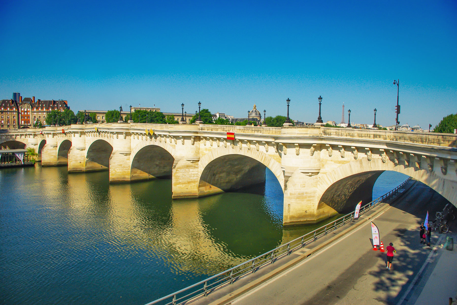 Facts about Paris: Pont-Neuf © French Moments