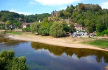The site of Limeuil on the banks of River Dordogne, Périgord © French Moments