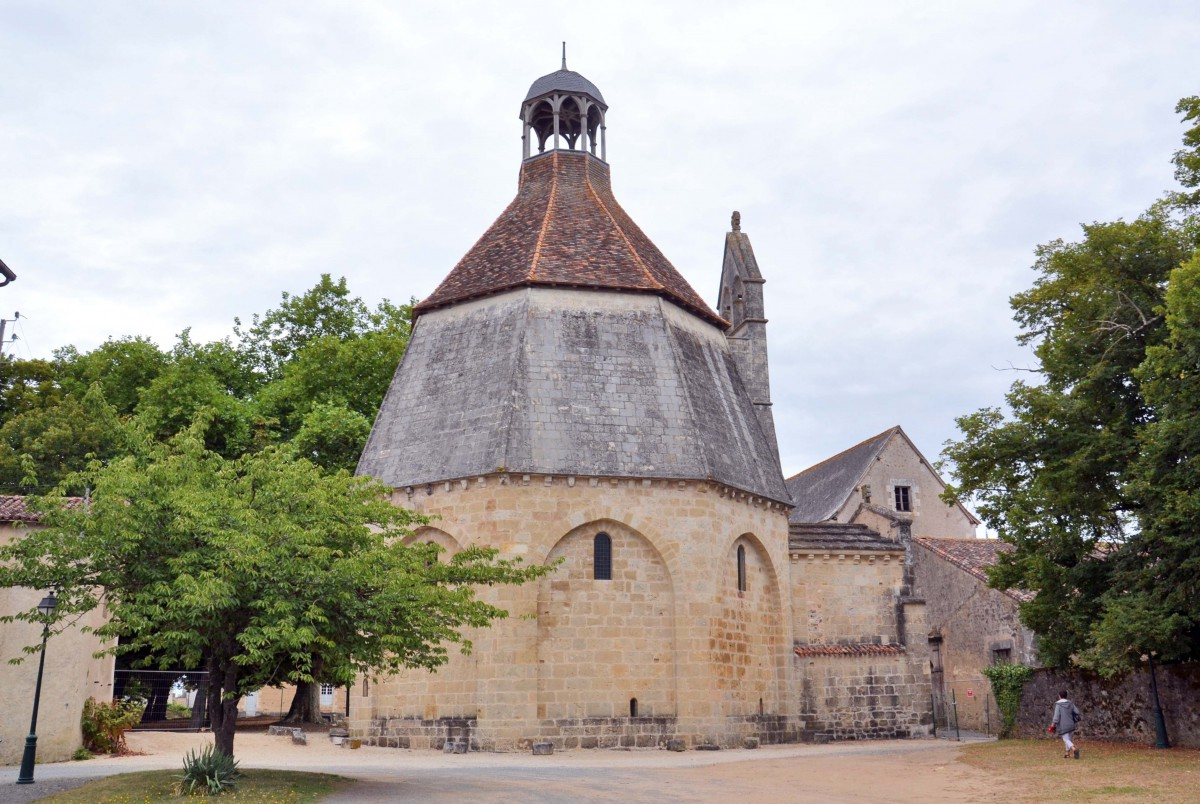 The Octogon of Montmorillon © Becharre - licence [CC BY-SA 3.0] from Wikimedia Commons