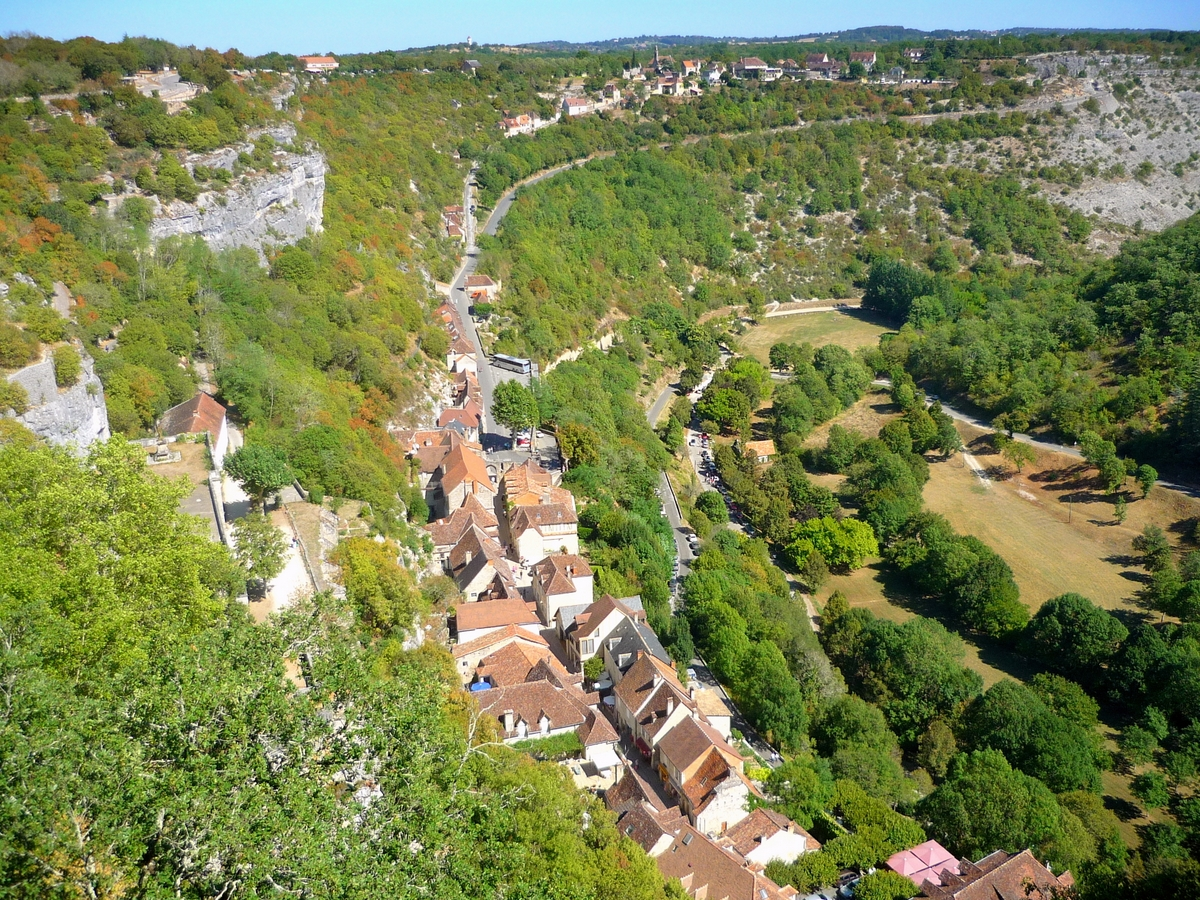 View of the medieval town and the valley © French Moments