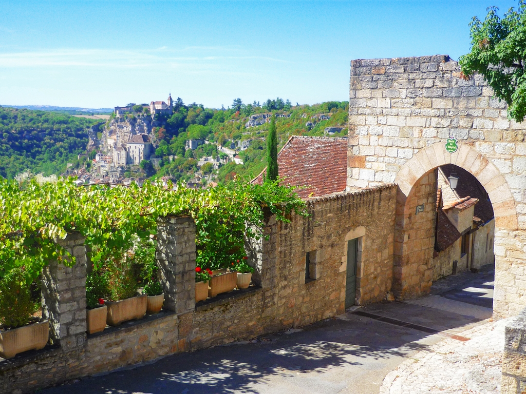 The view of Rocamadour from Porte de l'Hôpital, L'Hospitalet © French Moments