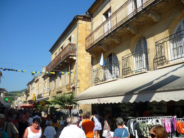 Rue Gambetta, Market Day in Saint-Cyprien © French Moments