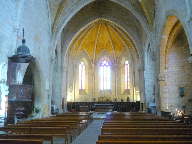 Nave of St. Dominique Church, Bastide of Monpazier © French Moments