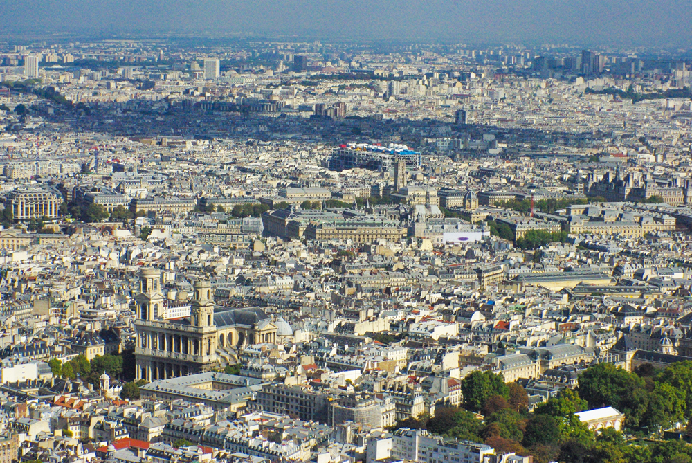 The central district of Paris © French Moments