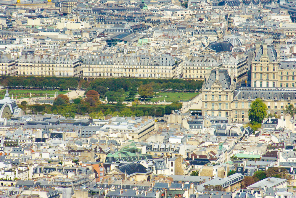 The Tuileries and the Louvre © French Moments