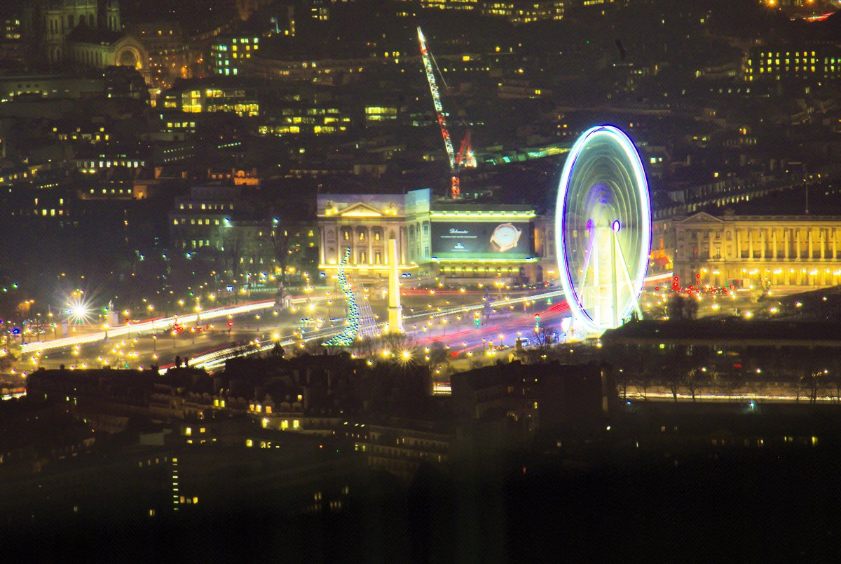 Tour Montparnasse - Christmas in Paris © French Moments