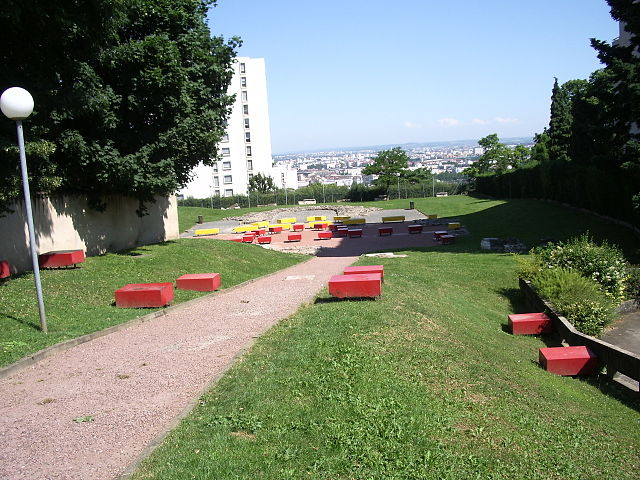 The red and yellow blocks and the ruins of the old St. Just churches in Lyon Fourvière, by Bluebear2, licence (CC BY-SA 3.0), from Wikimedia Commons