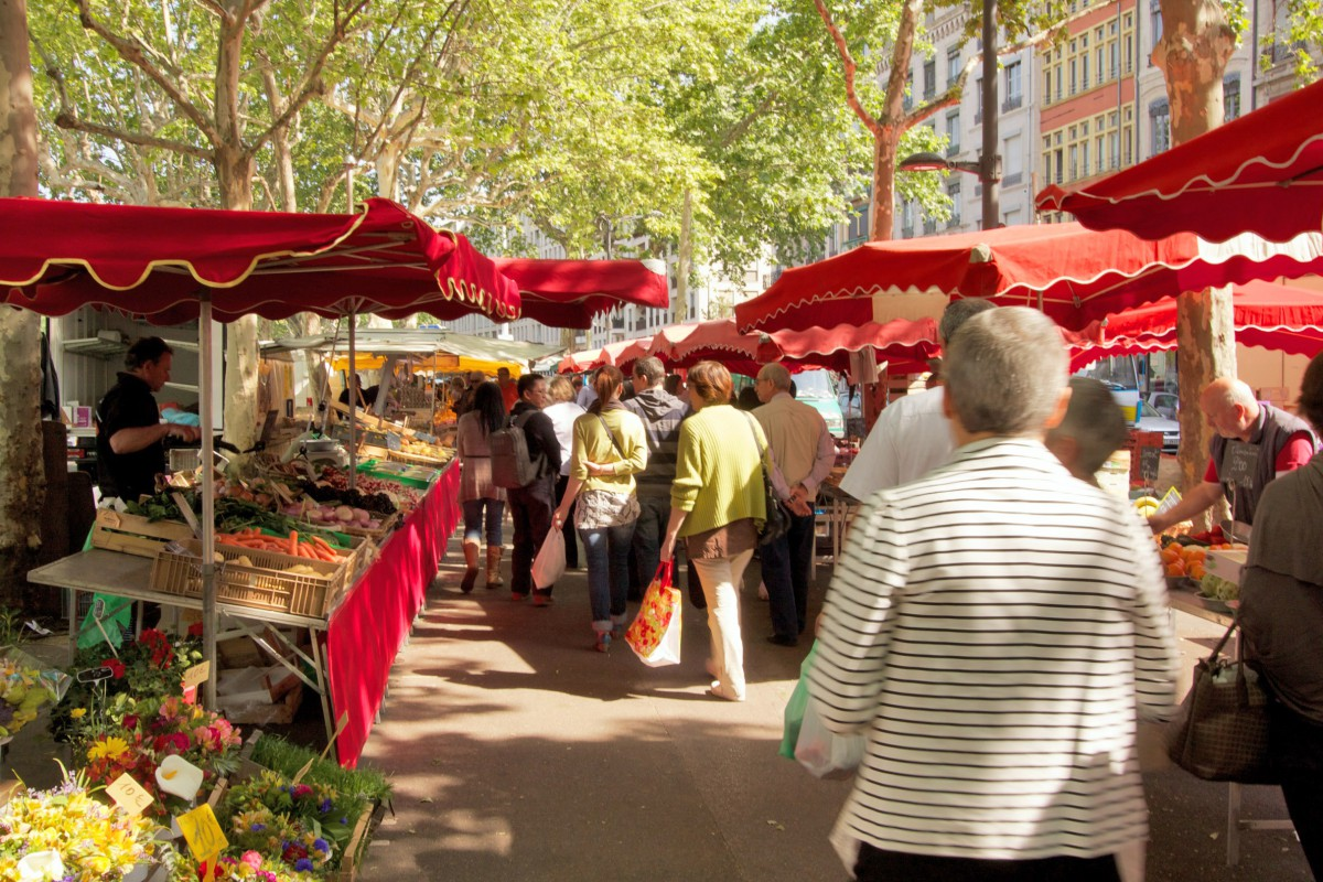 St Antoine Market © AntoineM - licence [CC BY-SA 3.0] from Wikimedia Commons