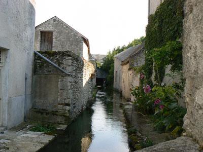 Old water house in Meung-sur-Loire © Office de Tourisme du Val des Mauves à Meung-sur-Loire