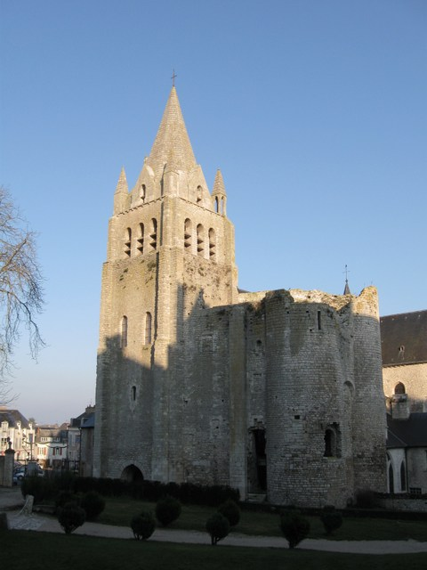 Meung-sur-Loire Saint-Liphard © Croquant - licence [CC BY-SA 3.0] from Wikimedia Commons