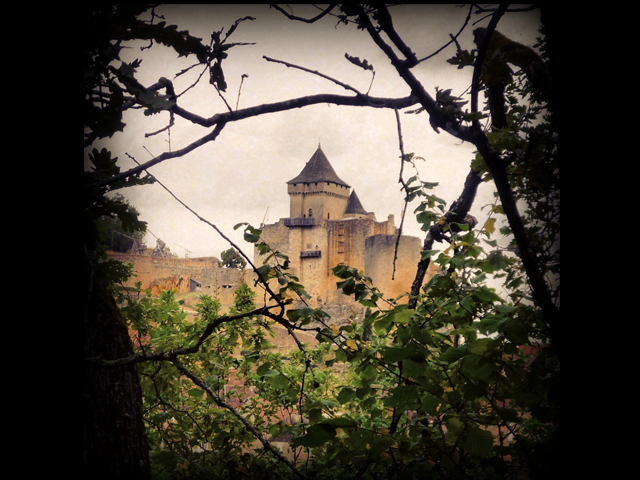 Halloween-Castelnaud-copyright-French-Moments