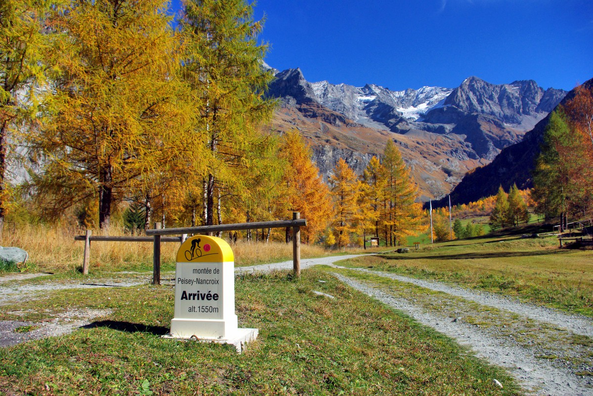 French Alps in Autumn © French Moments