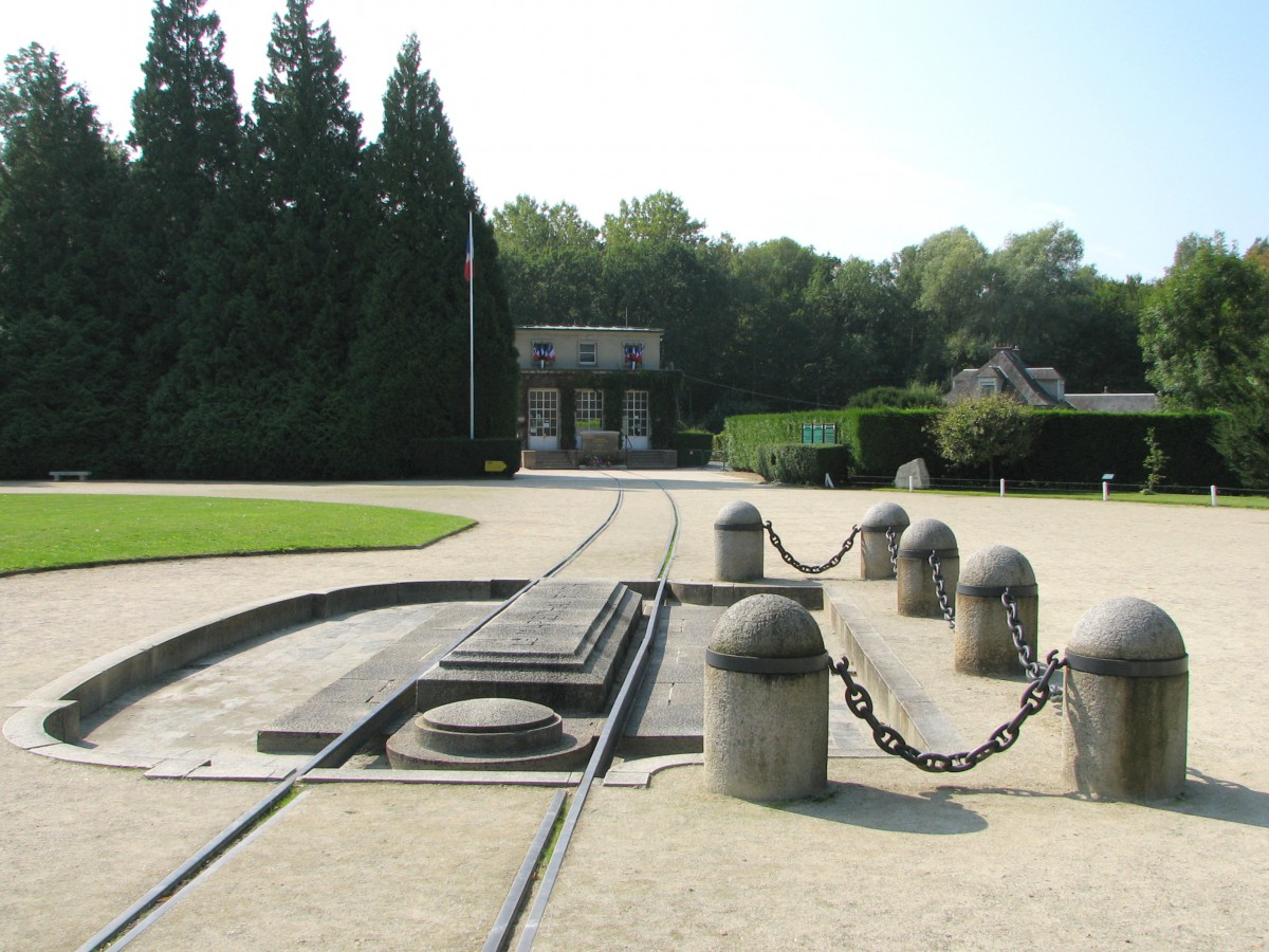 Armistice Clearing - site of Foch railcar © FCY - licence [CC BY-SA 3.0] from Wikimedia Commons