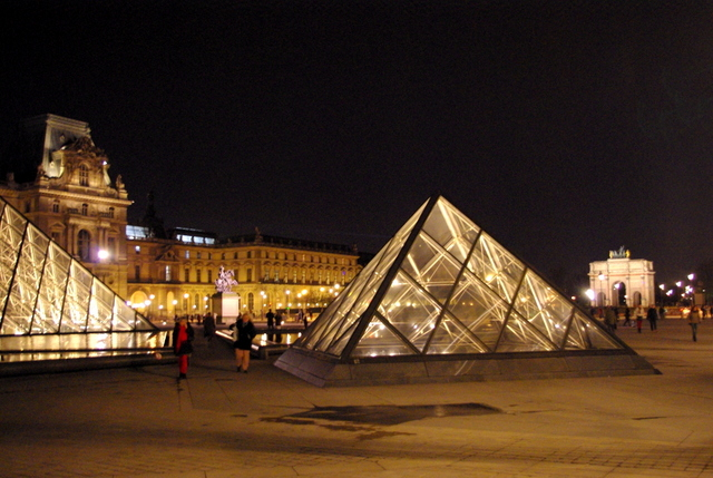 Louvre Night 15 © French Moments