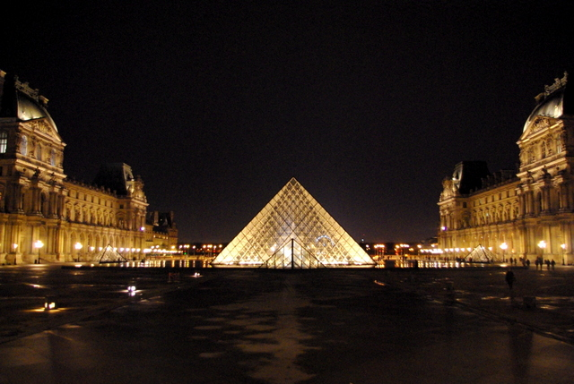 Louvre Night 3 © French Moments