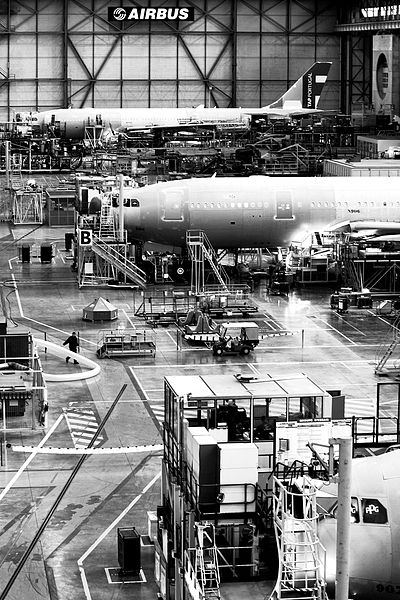 Inside the Airbus factory © José Goulao from Flickr