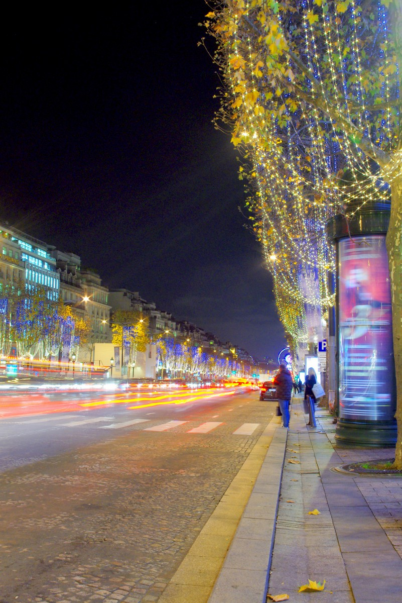 Christmas on the Champs-Élysées, Paris © French Moments
