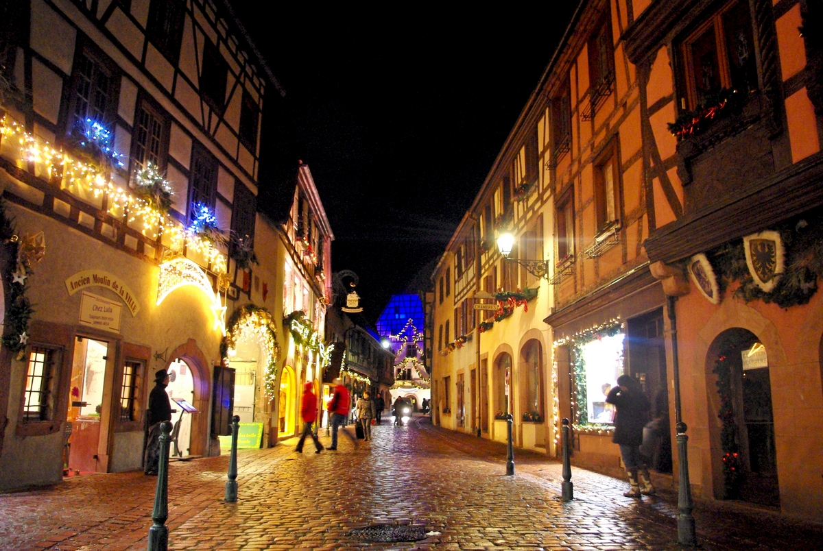 The main street of Kaysersberg at Christmas © French Moments