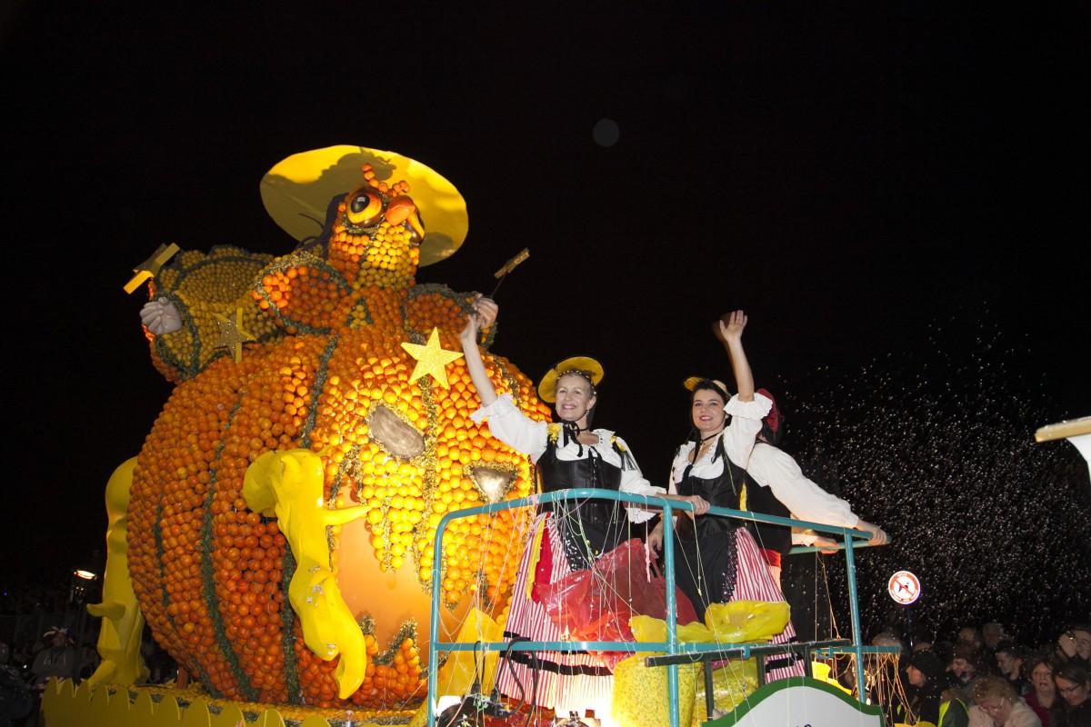 The Lemon night parade © Ville de Menton