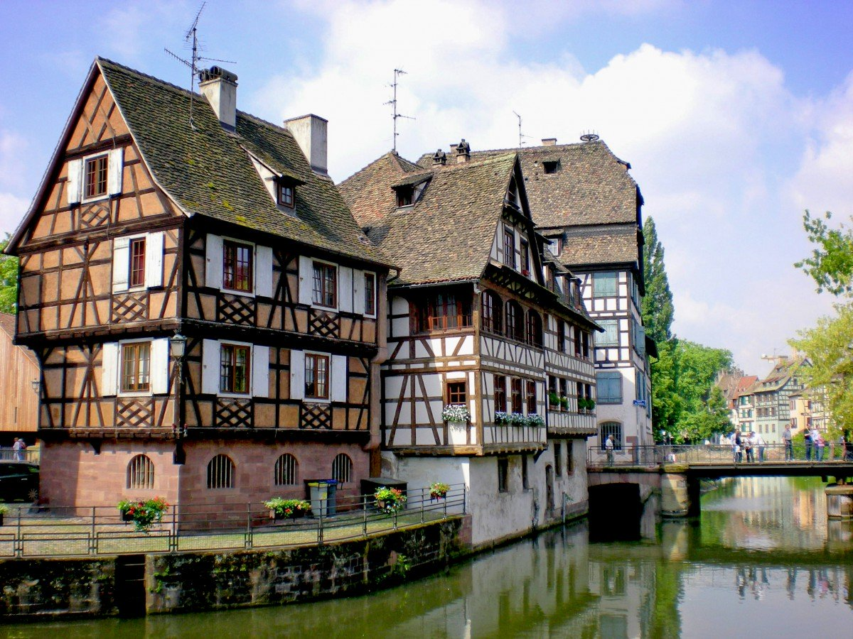 Things to see in Strasbourg: the Petite France district © French Moments