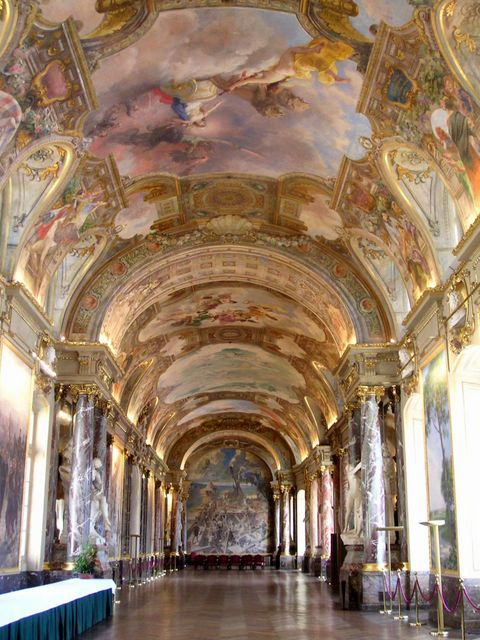 Toulouse Capitole Salle des Illustres © Wojsyl - licence [CC BY-SA 3.0] from Wikimedia Commons