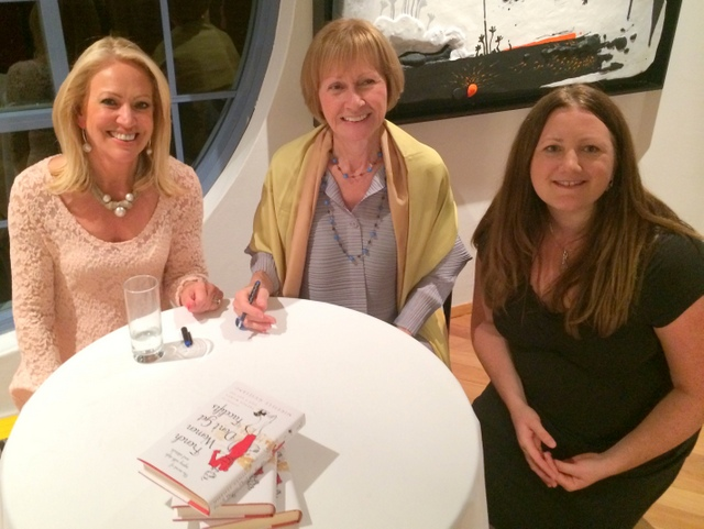 Mireille Guiliano (centre) surrounded by student Helen (left) and Rachel from French Moments (right) © French Moments
