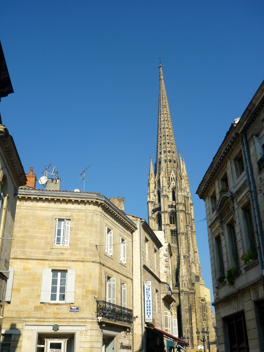 Saint-Michel spire, Bordeaux © French Moments