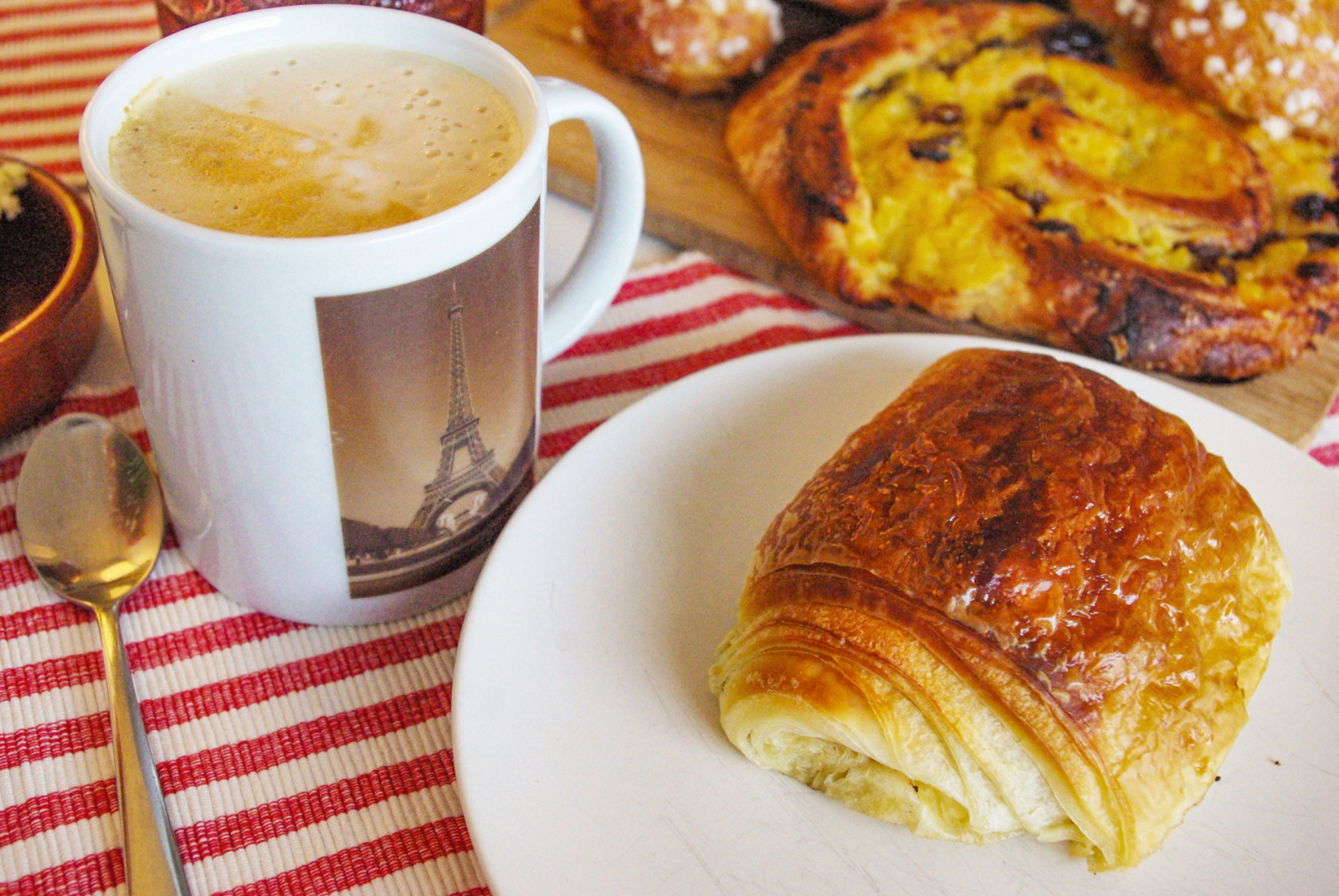 Viennoiseries for breakfast © French Moments