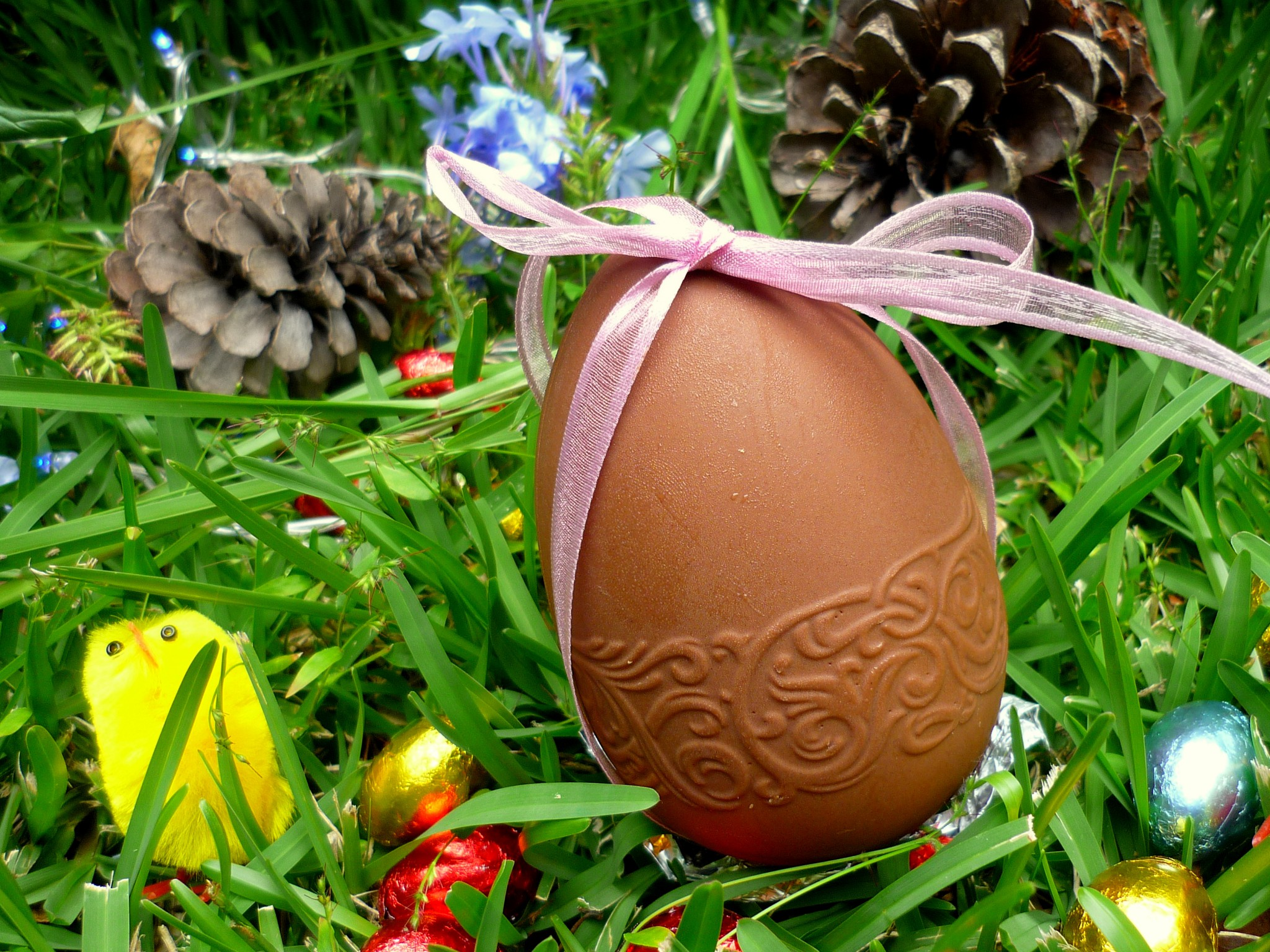 Easter traditions in France - Easter Eggs © French Moments