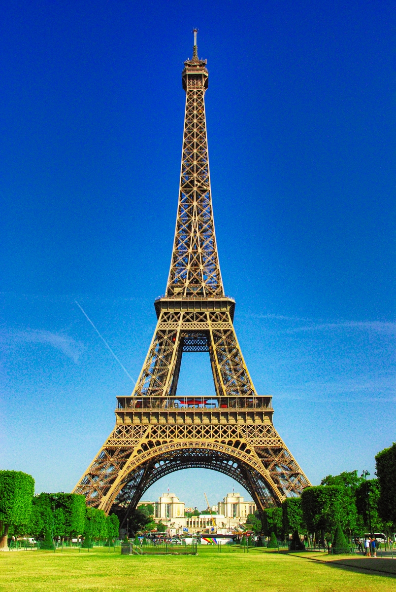 The Eiffel Tower today © French Moments
