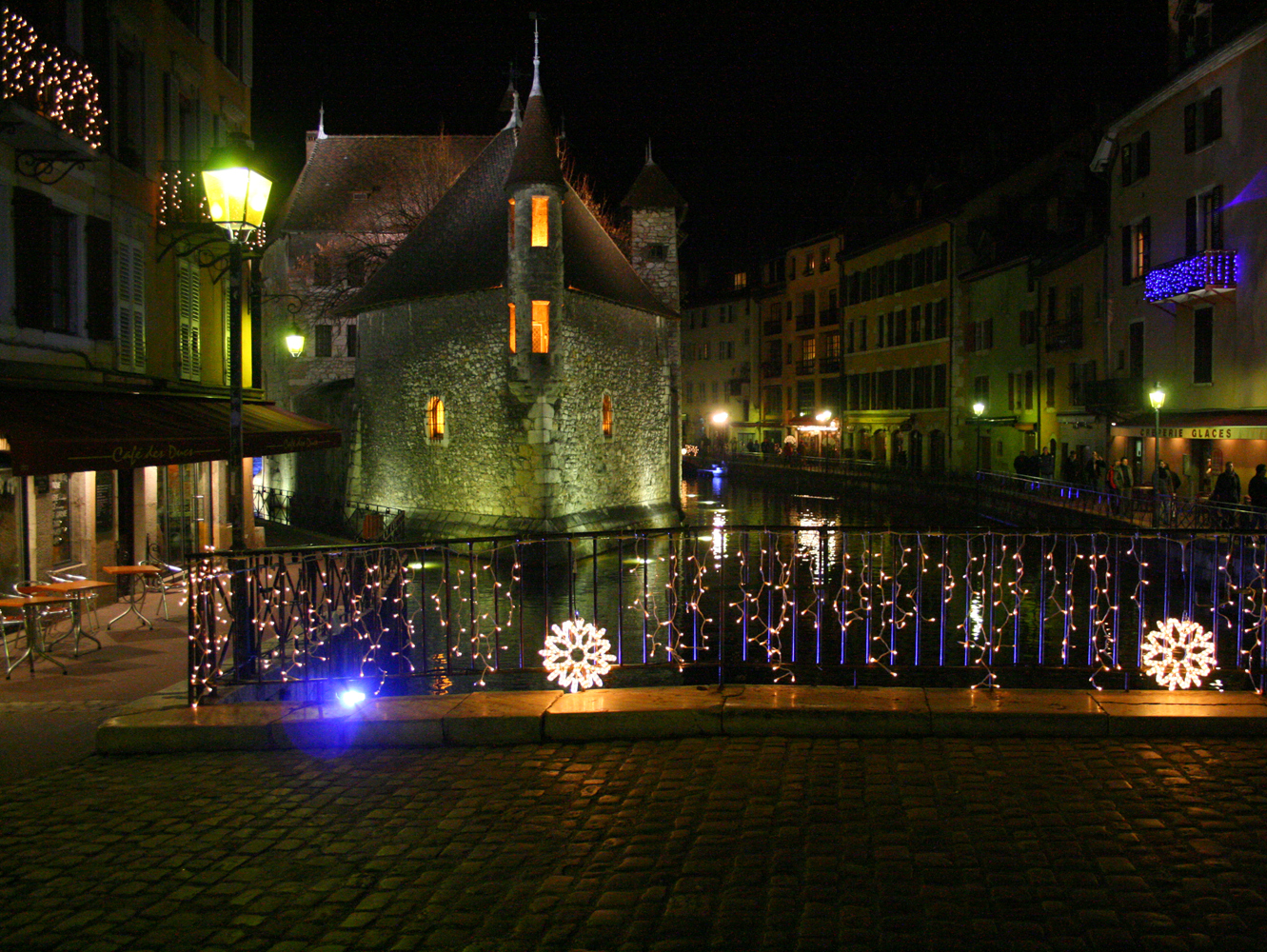 Discover The Annecy Christmas Market French Moments