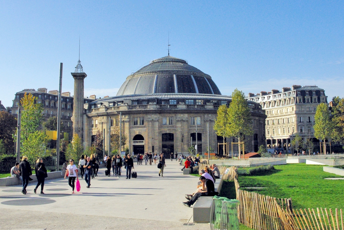 Parks and Gardens of Paris Jardin Nelson Mandela, (formerly Jardin des Halles) © French Moments