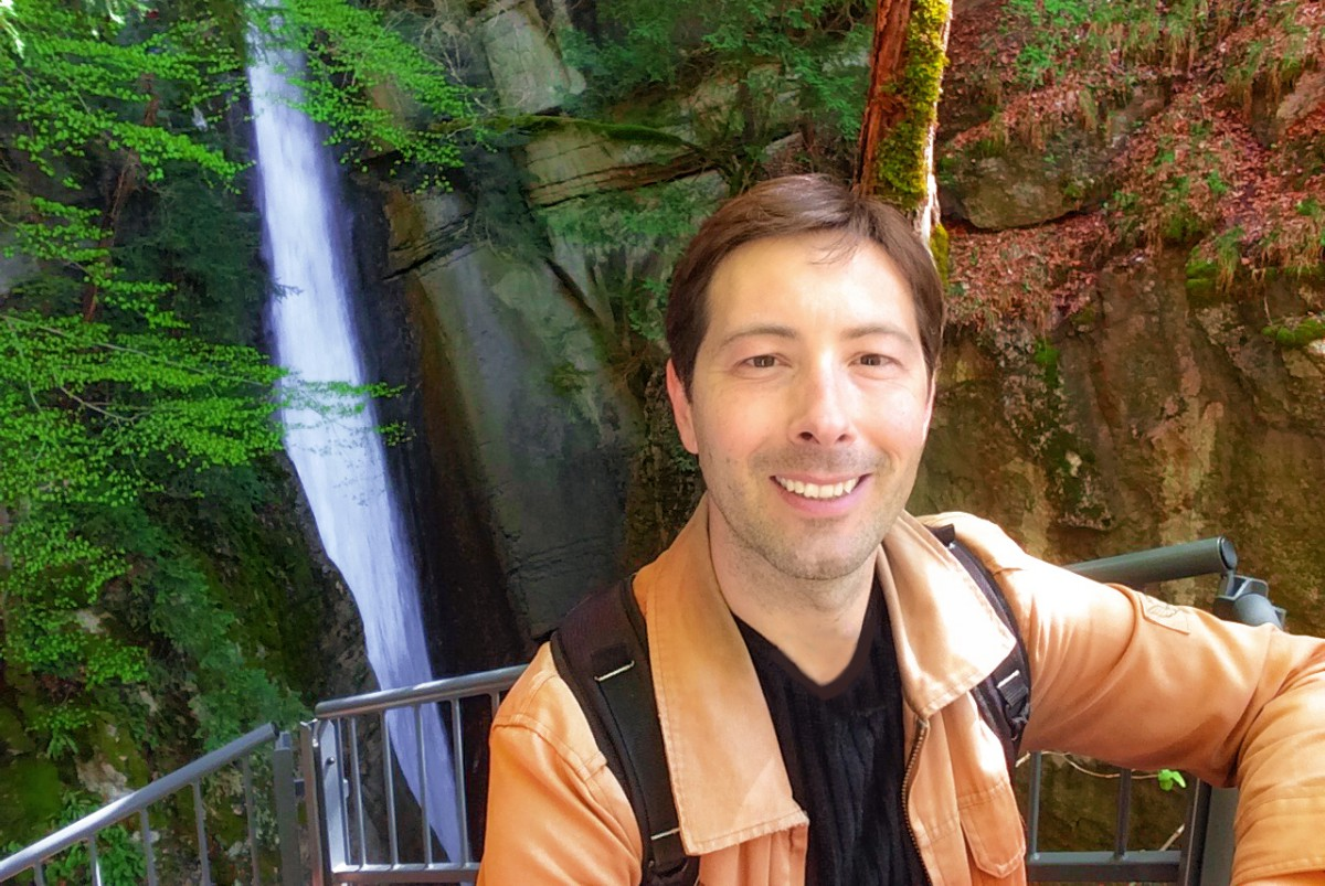 Pierre at the Angon Waterfalls, Lake Annecy © French Moments