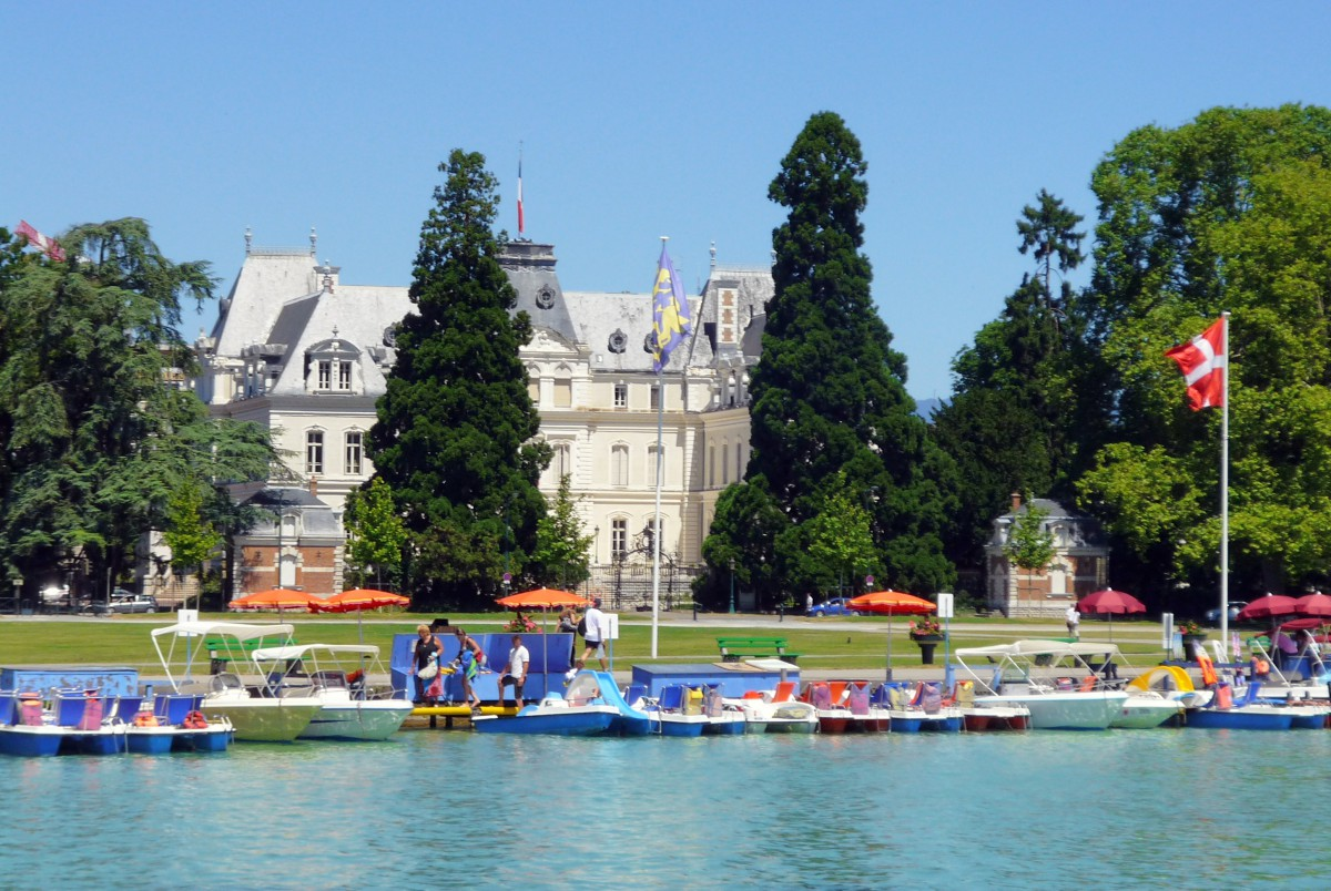 Préfecture of Haute-Savoie © French Moments