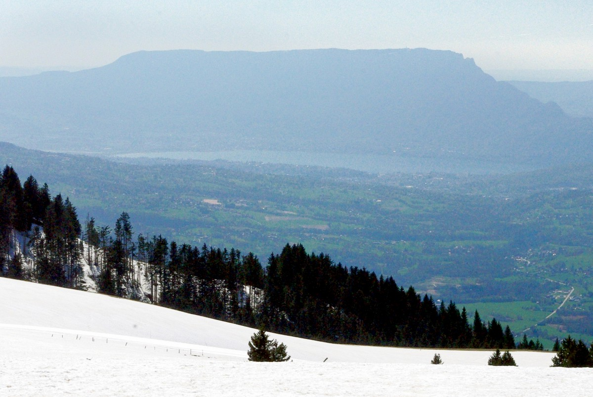 Lake Bourget and Dent du Chat seen from the Semnoz Mountain © French Moments