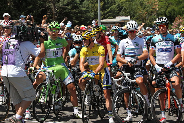 Tour de France 2013 at Aix-en-Provence © Georges Seguin - licence [CC BY-SA 3.0] from Wikimedia Commons