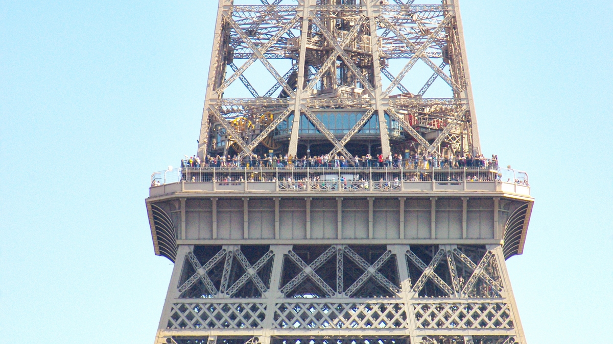 Eiffel Tower - the second platform © French Moments