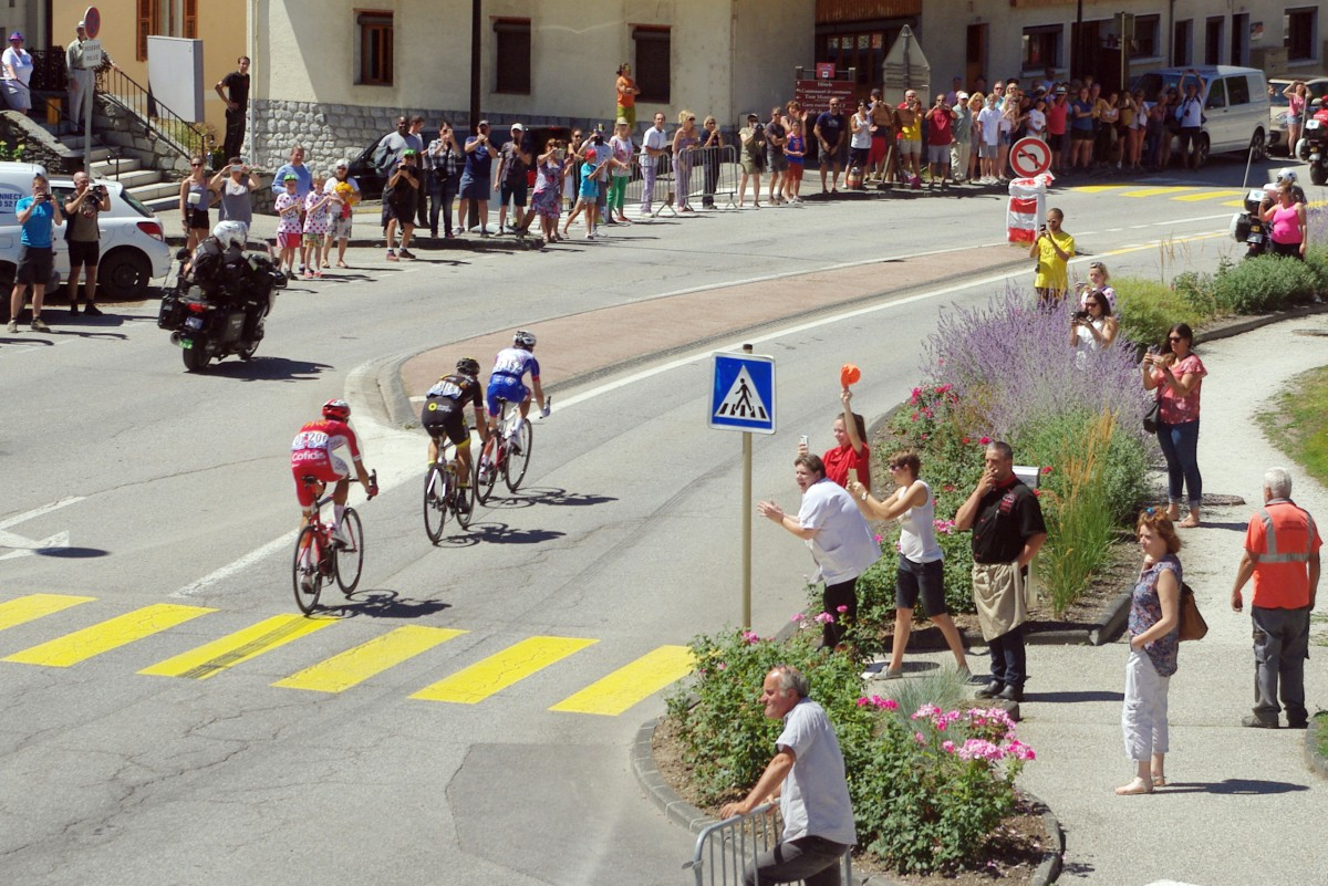 Holidays and celebrations in France - Tour de France at Aime-la-Plagne © French Moments