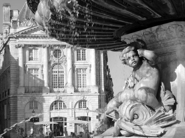 Bordeaux Place de la Bourse © French Moments
