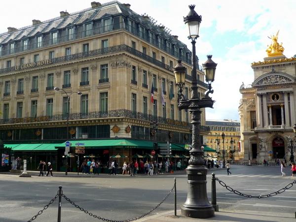 Place de l'Opéra © French Moments