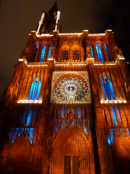 Strasbourg Cathedral Light Show © J.hagelüken - licence [CC BY-SA 3.0] from Wikimedia Commons