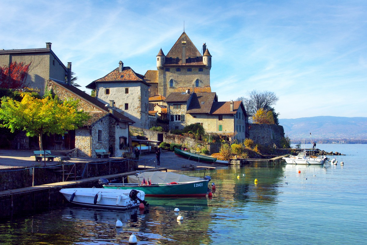 The harbour of Yvoire © French Moments