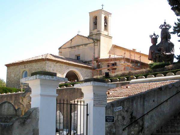 Chapelle Saint-Hospice by Tangopaso (Public Domain)