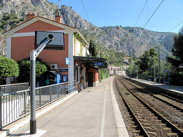 Eze-sur-Mer train station by Tangopaso (Public Domain)