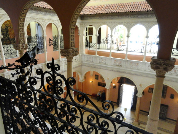 Interior of Villa Ephrussi de Rothschild by Daderot (Public Domain)